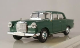 13351 Starmada by Brekina HO  Mercedes Benz 190 C colore Verde scuro scala 1:87