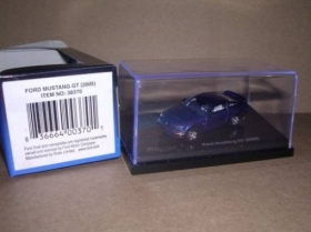 38370 Ricko Ford Mustang GT LNIB 2005 colore blu scala 1:87